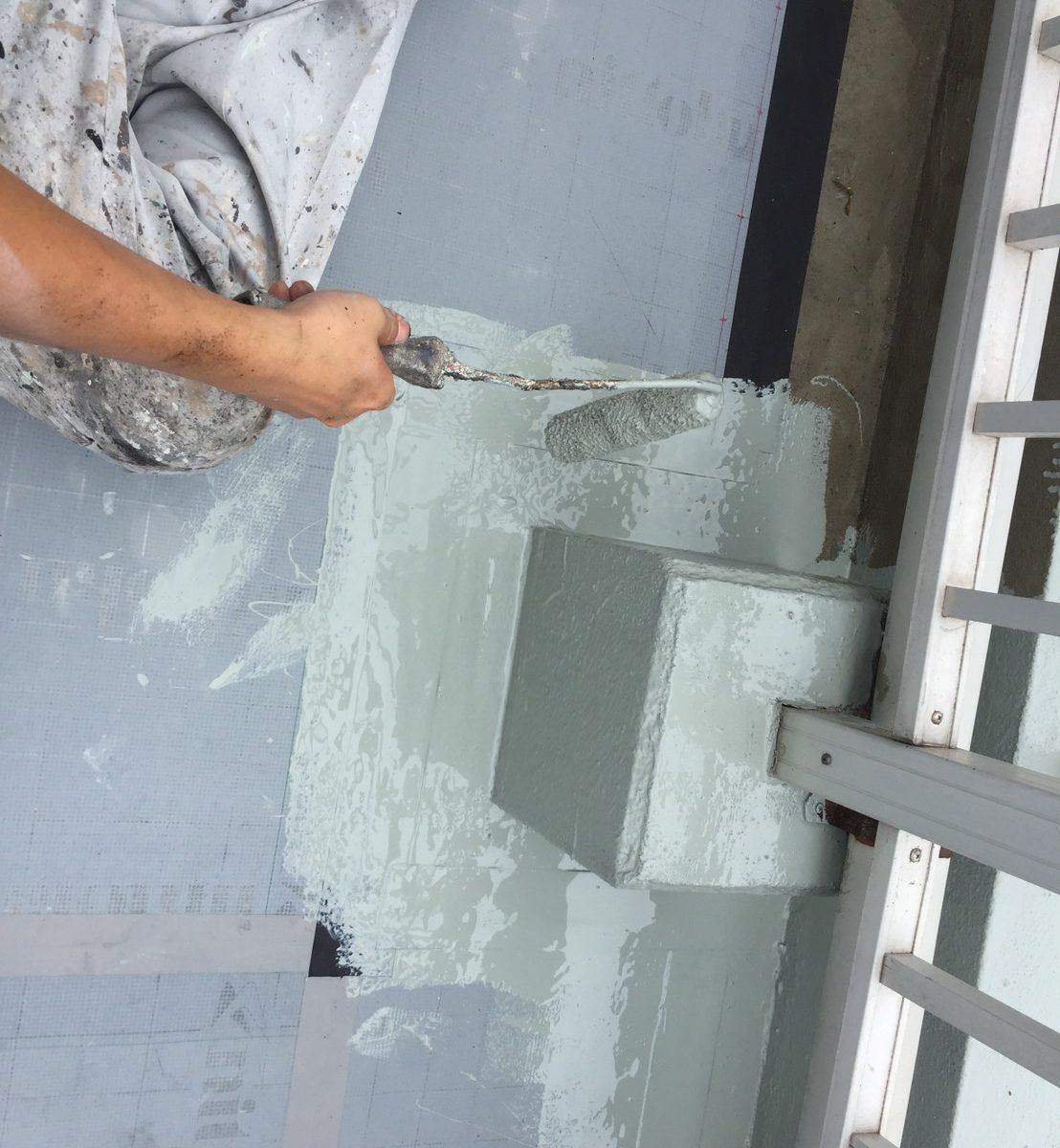 岡山市 某温泉旅館屋上防水塗装工事 ウレタン樹脂1回目