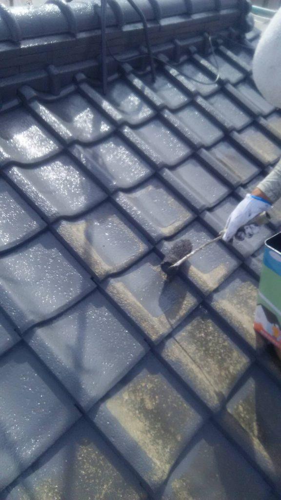 岡山市中区F様邸セメント瓦フッ素中塗り