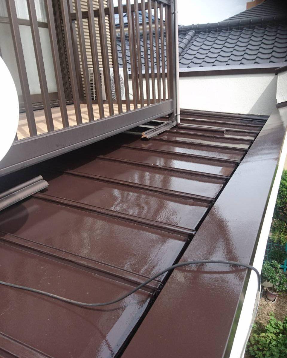 岡山市北区I様邸 部分塗装施工前 下屋根 施工後