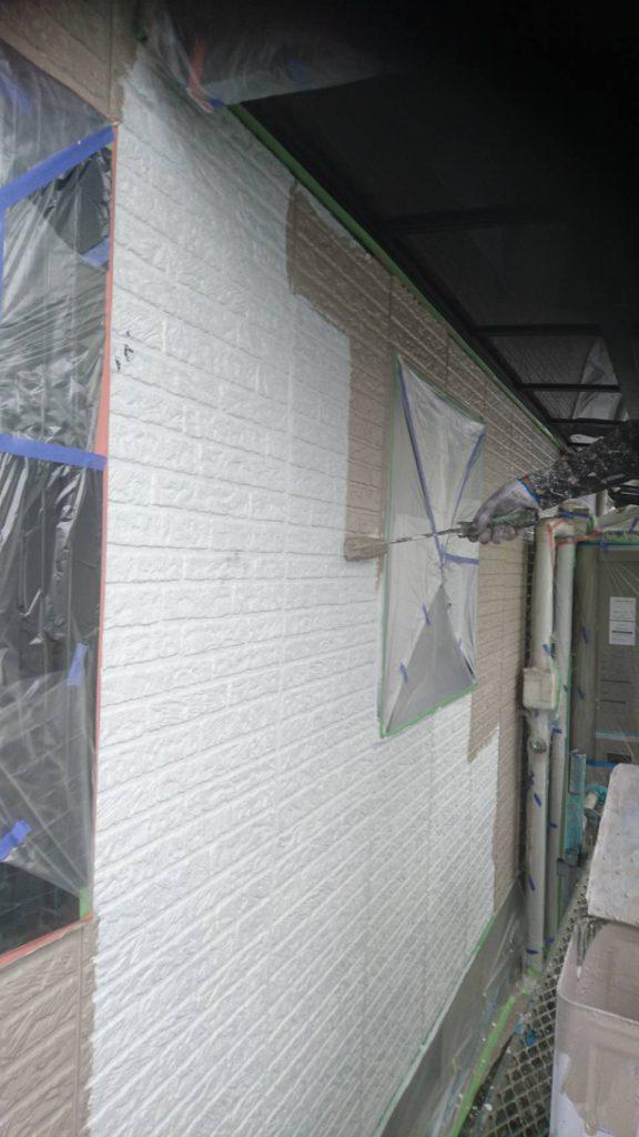 岡山県都窪郡S様邸 外壁シリコン塗料中塗り