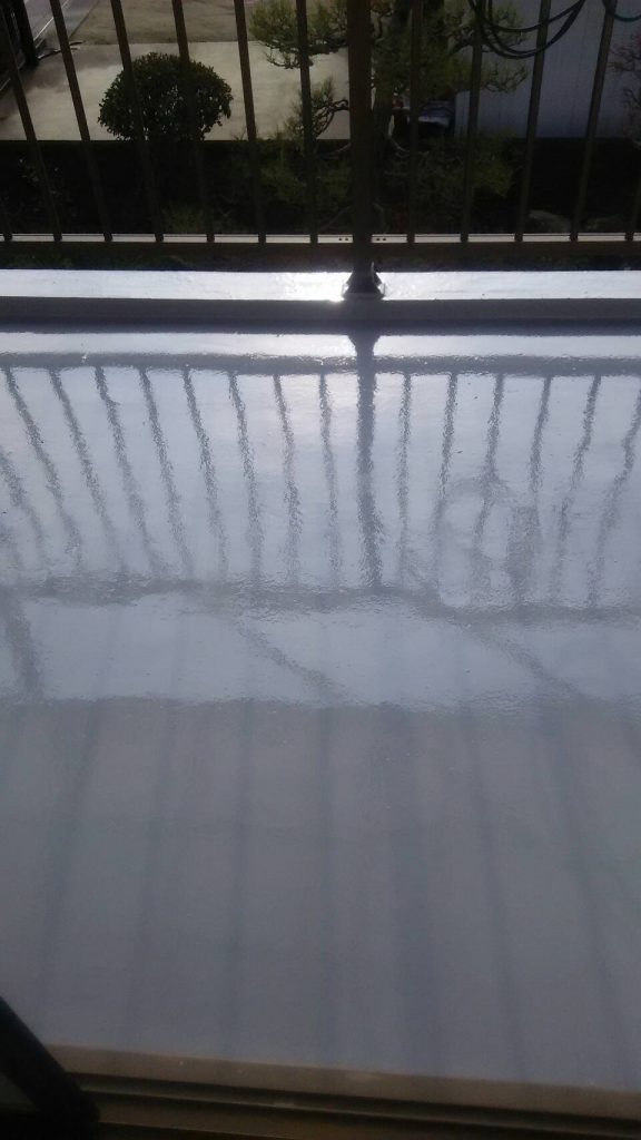 岡山市H様邸 ベランダ防水 トップコート塗り