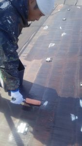 岡山市北区S様邸 屋根塗装シーラー塗り