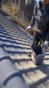 倉敷市N様邸 屋根塗装 下塗りサフェーサー