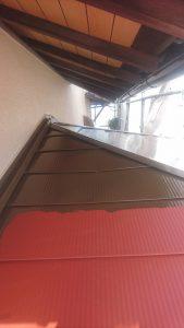 岡山市南区M様邸 玄関上屋根上塗り