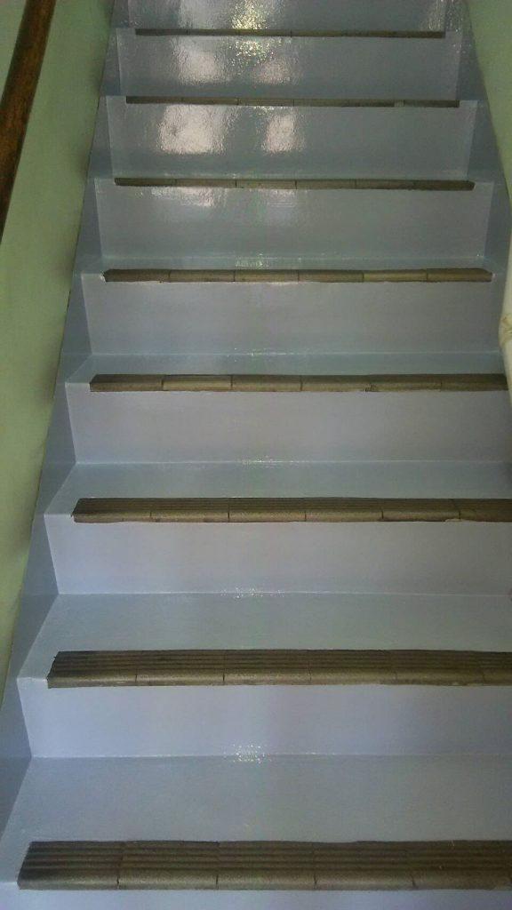 某ビル 階段塗装 完了