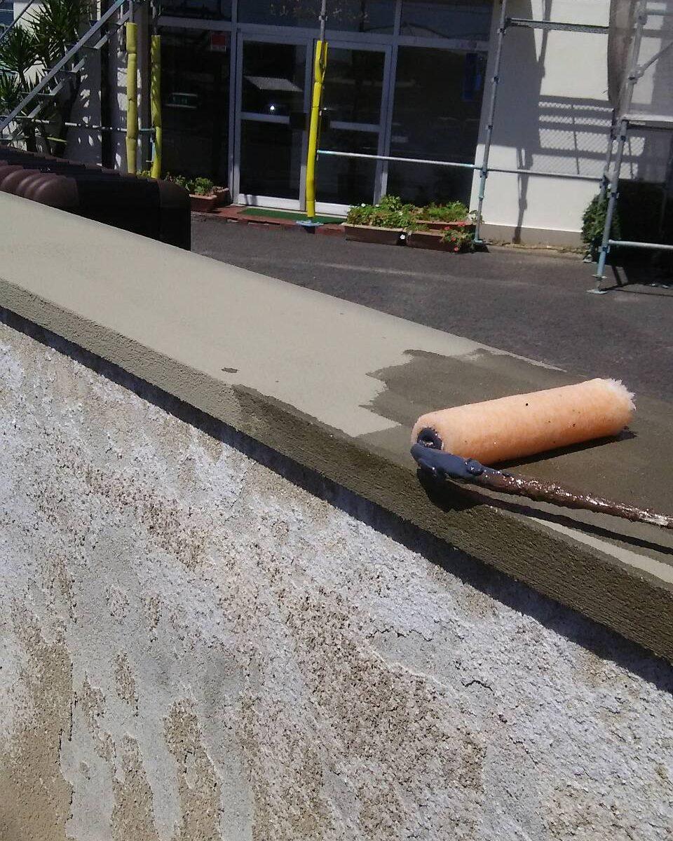 倉敷市某企業様塀塗り替え工事 塀 プライマー