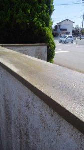 倉敷市某企業様塀塗替え工事 下地調整、プライマー