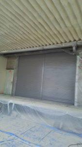 倉敷市某企業様 シャッター表面 吹き付け塗装 施工後