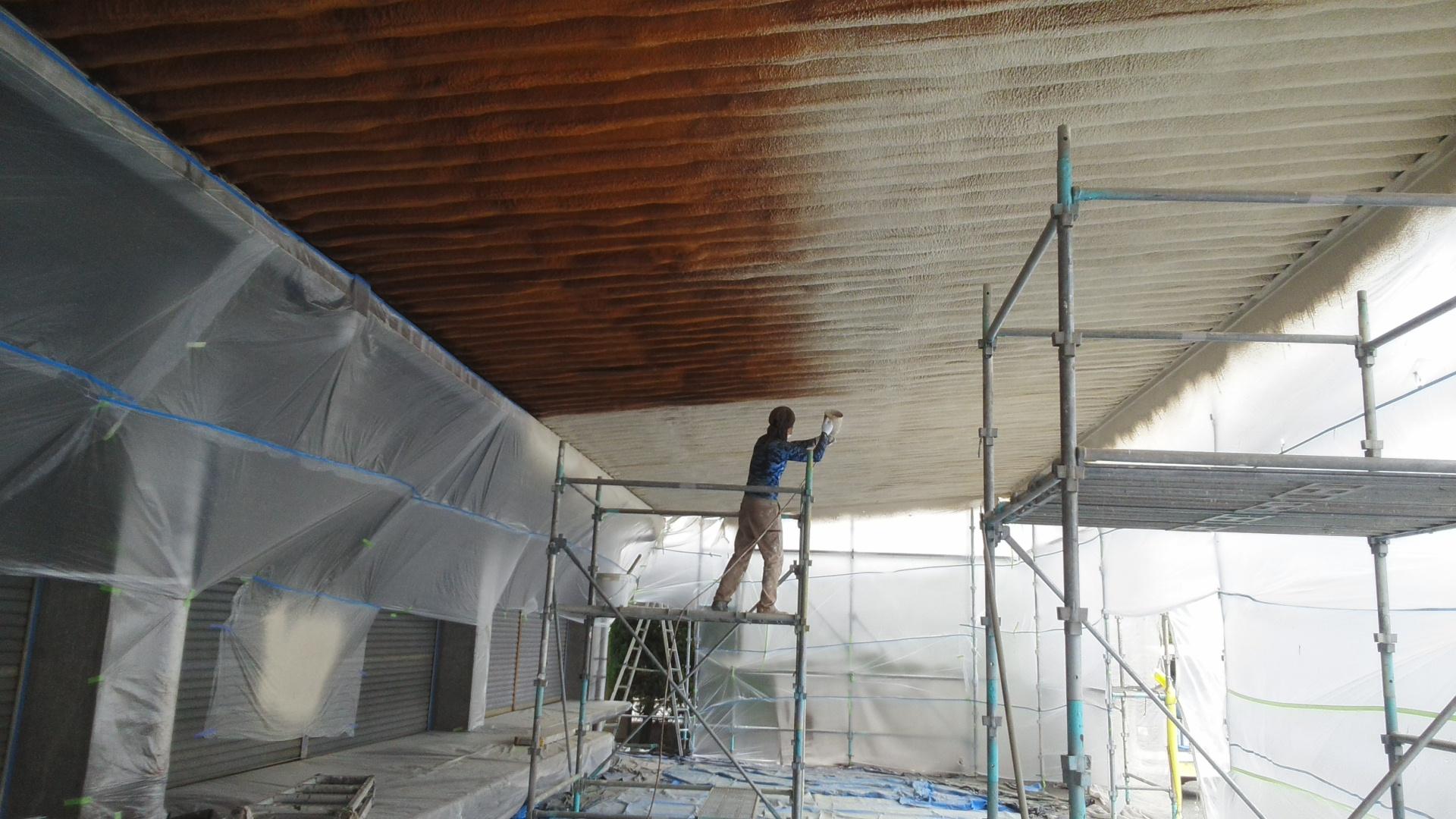 倉敷市某企業様 社屋塗装工事 金属屋根裏施工