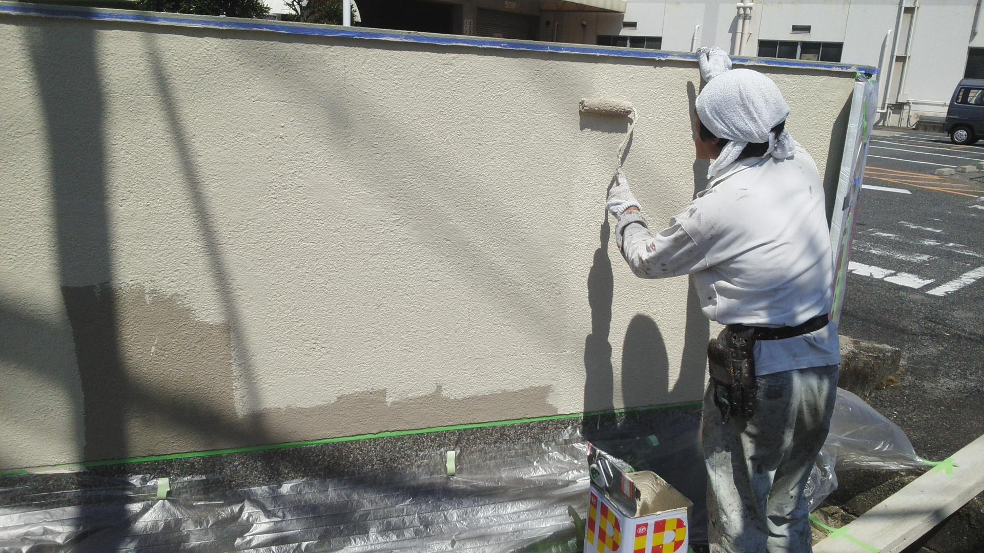 倉敷市某企業様 塀上塗り施工状況正面
