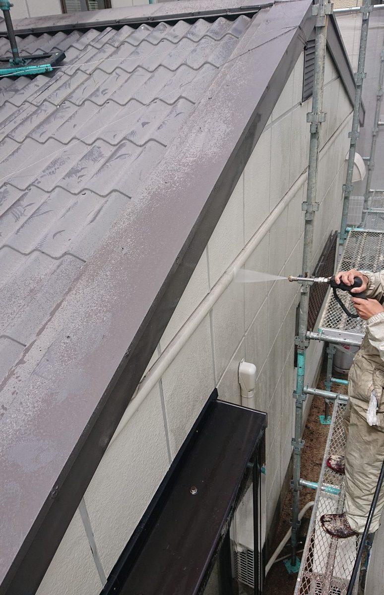岡山市東区K様邸 外壁・屋根高圧洗浄 左中央面